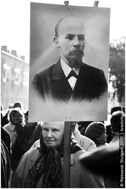 День Октябрьской революции в Бресте (фотофакт)