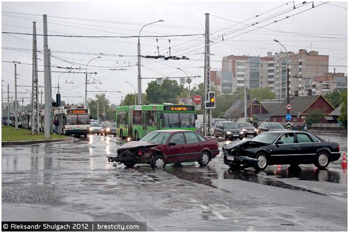 Авария на перекрестке Московская - Пионерская в Бресте