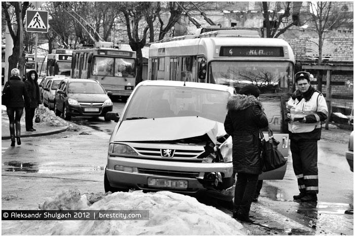 Авария на улице 17 сентрября в Бресте