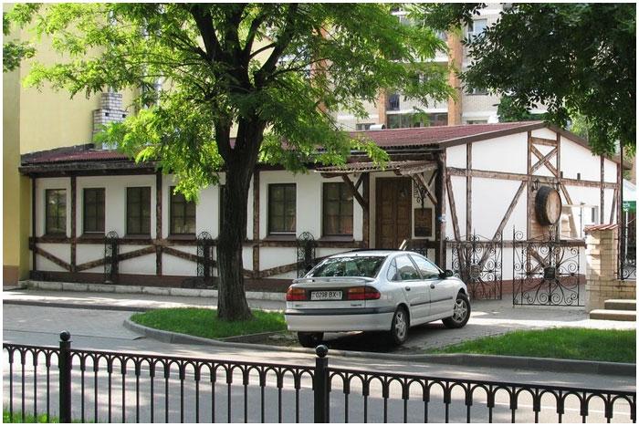 Бар «Паб Хаус» на улице Гоголя в Бресте. Фото Олег Абдусаламов