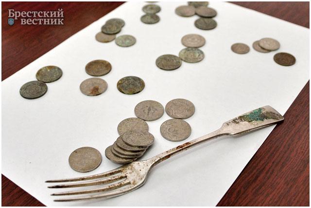 Польские монеты, обнаруженные при реконструкции театра