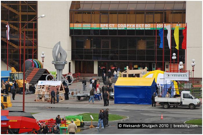 Олимпийская стела в Бресте