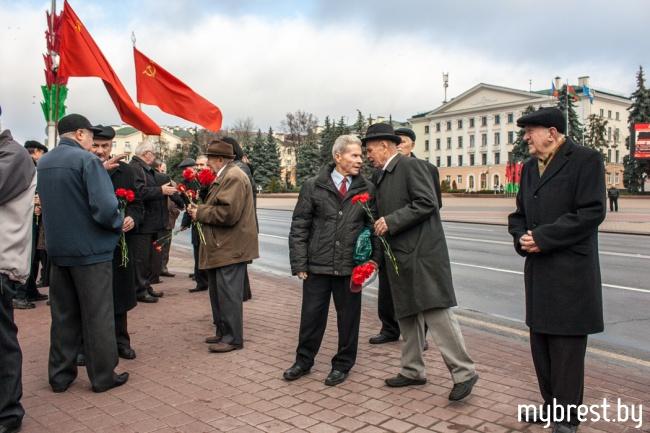 День Октябрьской революции в Бресте. 7 ноября 2013