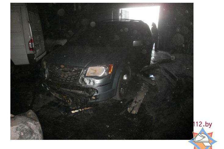 В Бресте горел автосерсив 15 августа 2013