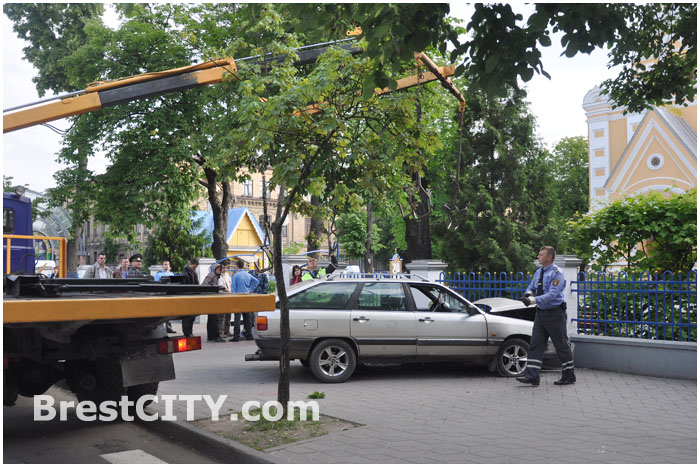 Авария в Бресте на Мицкевича возле Свято-Николаевская братской церкви