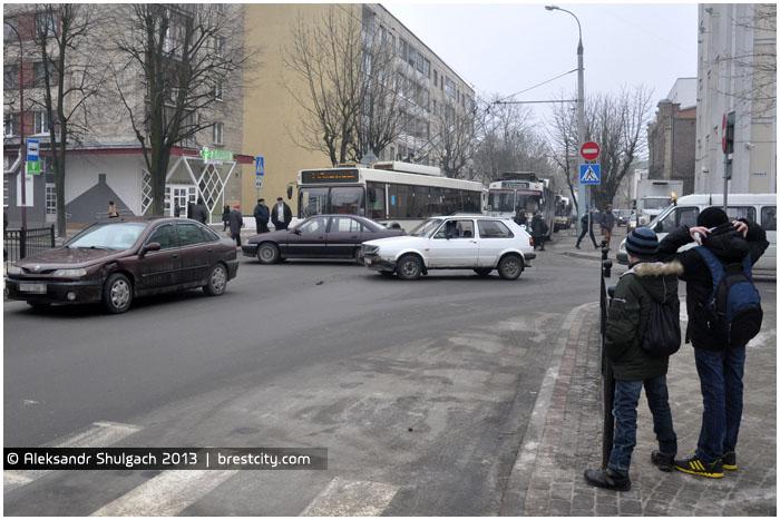 Брест. Авария на перекрестке улиц К.Маркса и Мицкевича