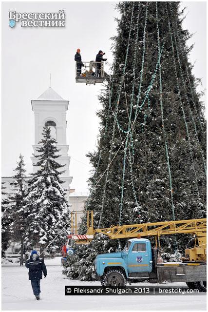 Разбор городской елки