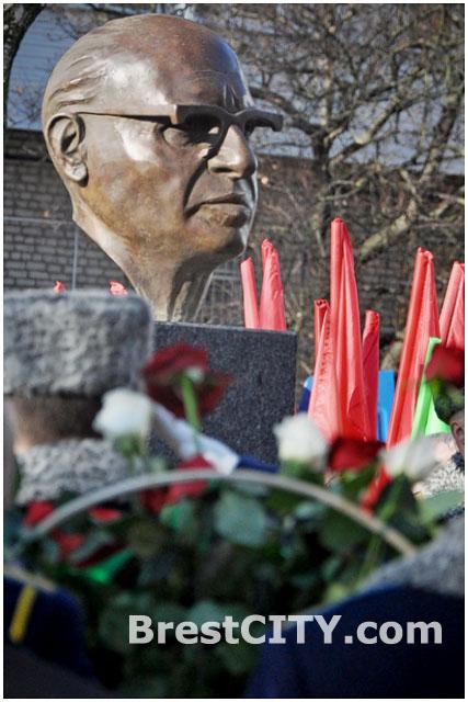 Бюст (памятник) Менахему Бегину в Бресте