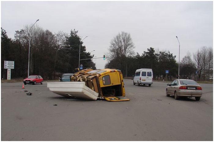 Авария в Бресте с участием маршрутки