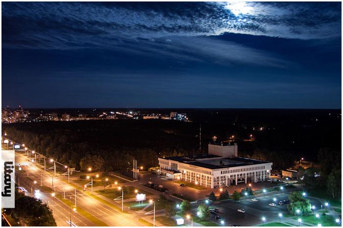 ДК Профсоюзов в Бресте ночью
