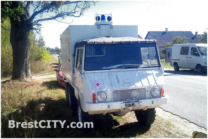 Колонна ретроавтомобилей в деревне Волчин Каменецкого района