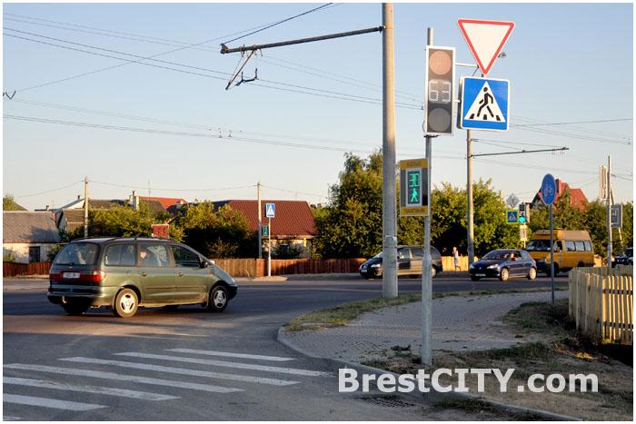 Новый светофор на перекрестке Суворова и Журавецкой