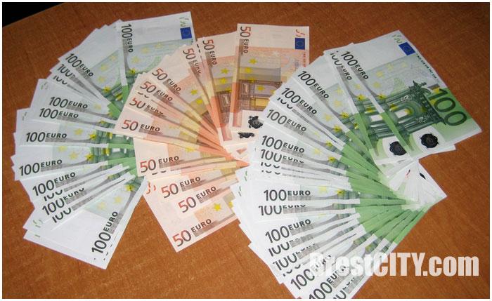Незадекларированная валюта на границе в Бресте более 10 тысяч