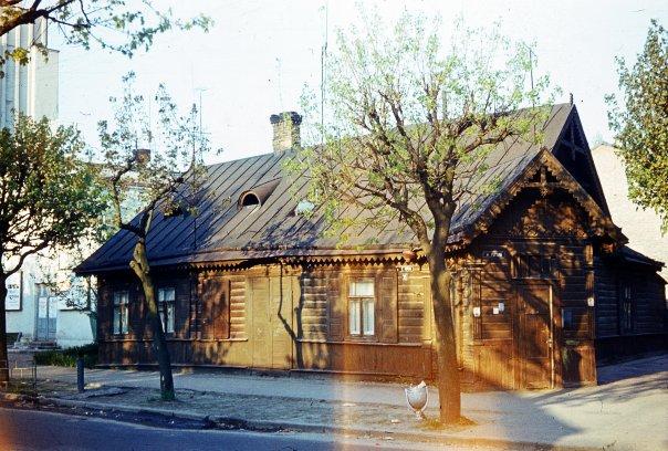 Домик рядом с бывшей лютеранской кирхой на Карла Маркса