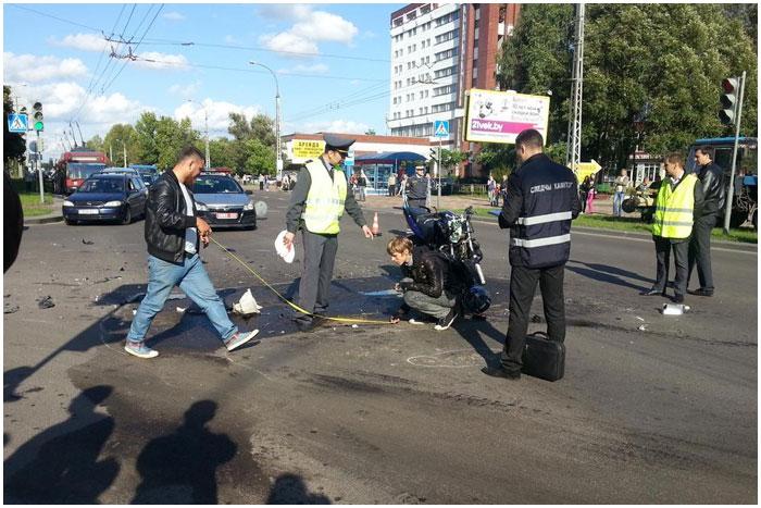 ДТП с участием мотоцикла на ул.Я.Купалы в Бресте