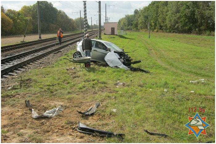 В жабинковском районе скорый поезд столкнулся с легковым автомобилем хундай