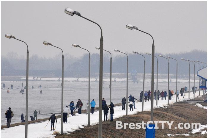 Соревнования на гребном канале в Бресте 8 февраля 2014