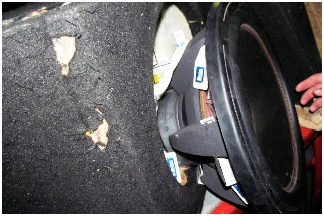 Контрабанда сигарет в легковом автомобиле через границу