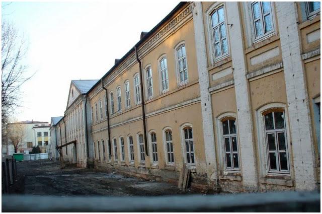 Здание бывшего военного госпиталя в Бресте