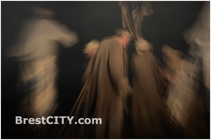 Уличный спектакль Сны кобзаря в Бресте. Белая вежа-2014