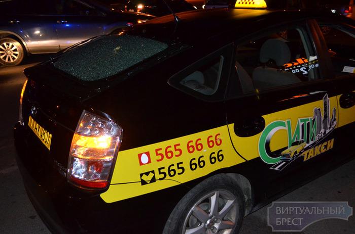 Стрельба по автомобилю такси в Бресте