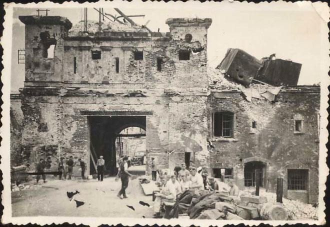 Тереспольские ворота. 1941-1944 г.