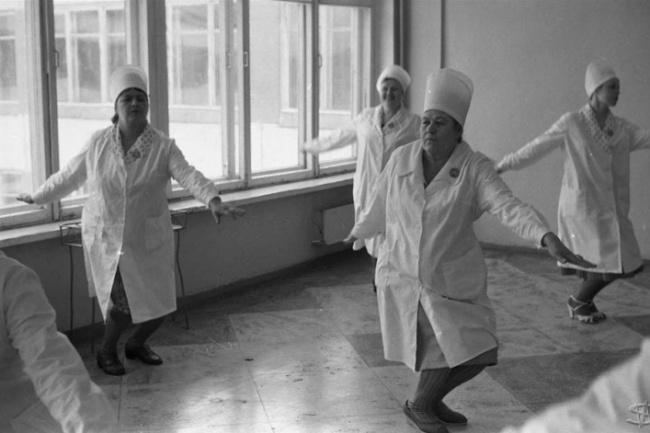 «Соревнования Горпромторга по производственной гимнастике», школа № 62, Новокузнецк, Сибирь. 10 апреля 1983 года.