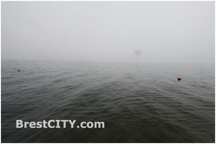 Туманное утро на Гребном канале в Бресте