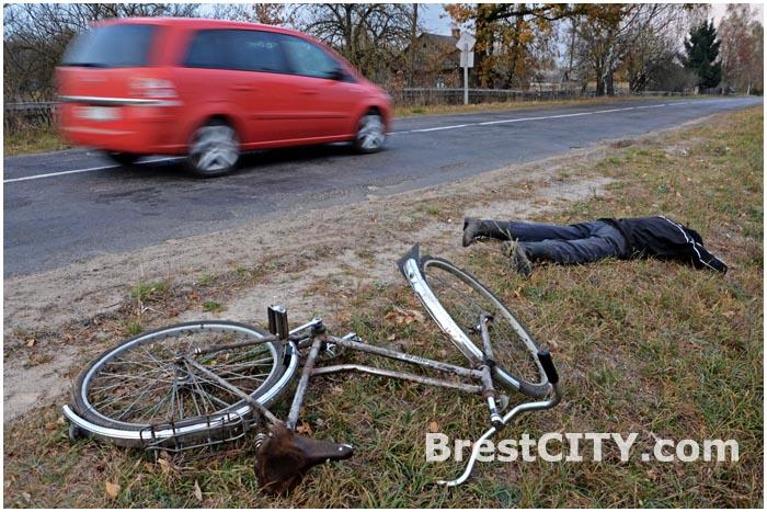 Эксперимент ГАИ. Велосипедисту на дороге стало плохо.