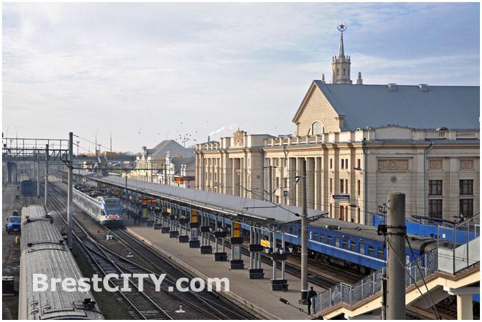 Брестский жд вокзал. Привокзальная площадь.