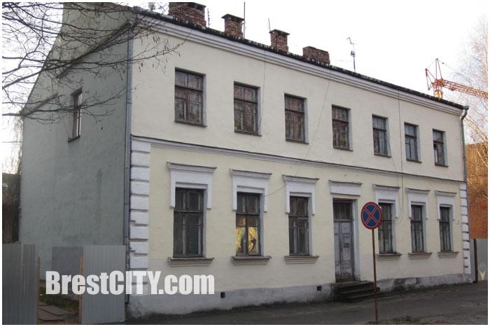Дом номер 4 по улице 17 сентября. Нужно ли сохранять в Бресте старые здания?