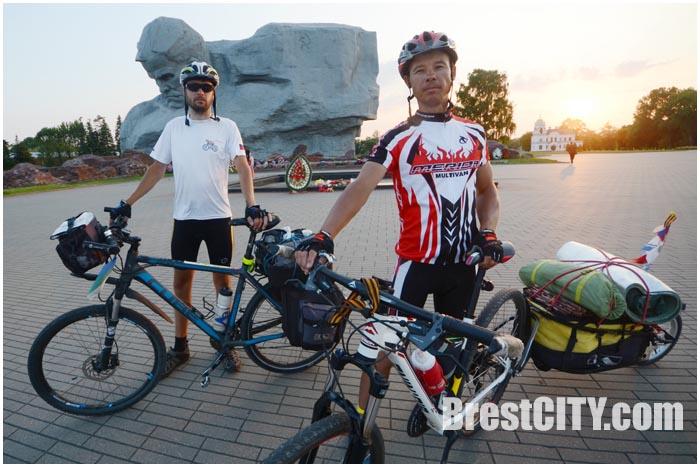 Сергей Есев и Ренат Сафаров в Бресте
