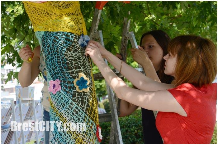 Международный день вязания на публике в Бресте. Флешмоб