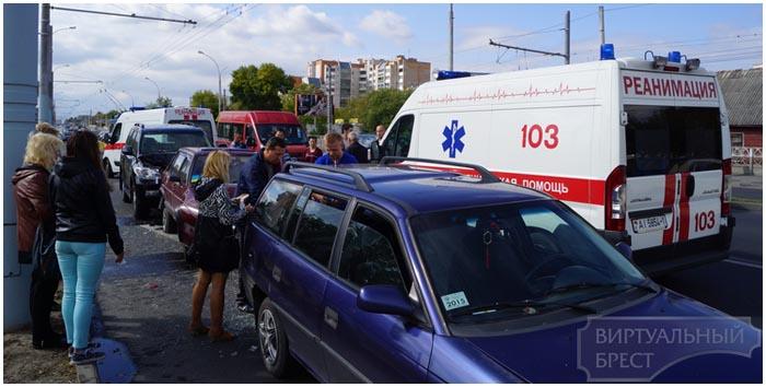 Авария возле ЦМТ в Бресте 13 сентября 2015