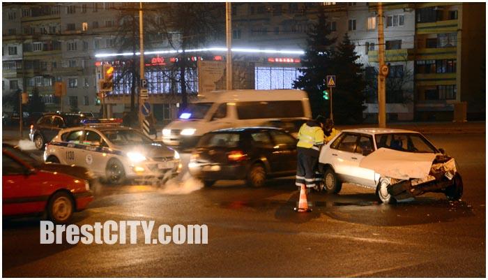 Авария с участием автомобиля милиции утром 22 января 2015