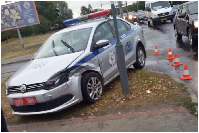 Авария с участием автомобиля ГАИ в Бресте на Суворова 7 сентября 2015