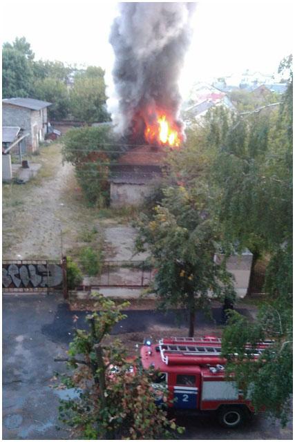 Пожар в центре Бреста. Горела хозпостройка