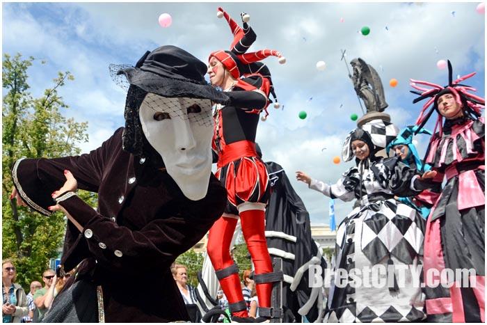 Форум уличных театров в Бресте 1 августа