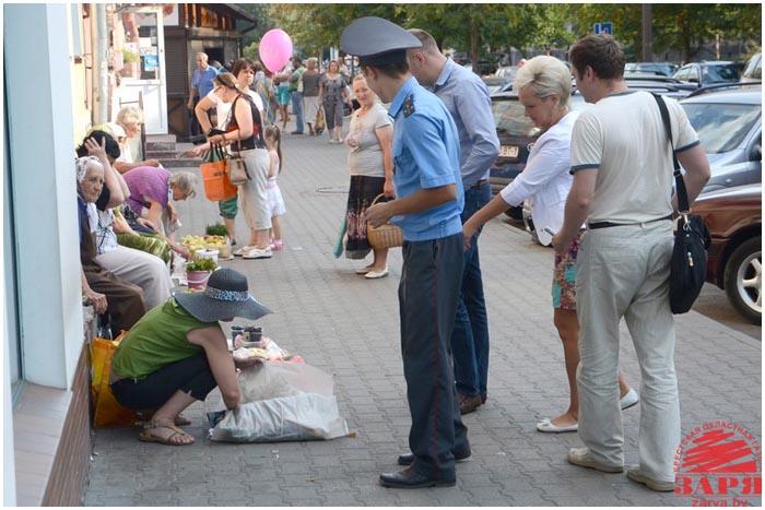 Нелегальная уличная торговля в Бресте