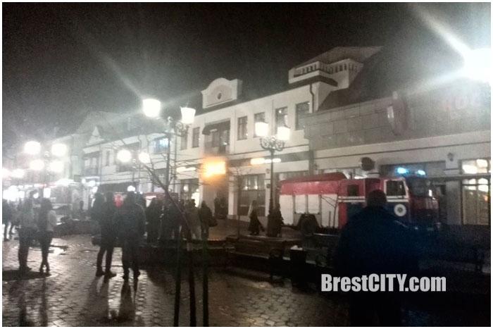 Пожар в кафе Харви на Советской в Бресте 15 ноября