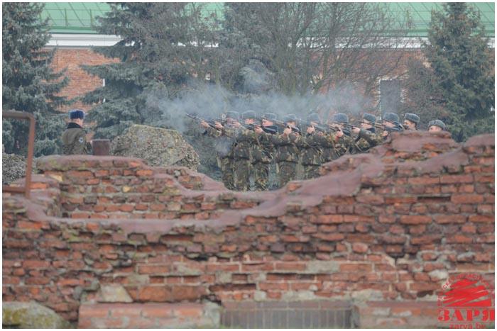 В Брестской крепости увековечили память неизвестных защитников. 17 декабря 2015