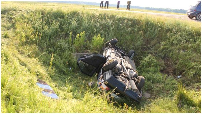 Автомобиль вылетел в кювет. Авария в Ляховичском районе Брестской области
