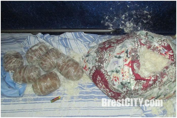 Марихауну перевозили в подушках через границу поездом Варшава-Минск
