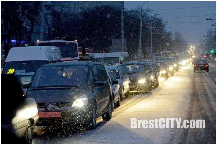 Авария утром 9 февраля в Бресте на перекрестке Бульвар-Машерова