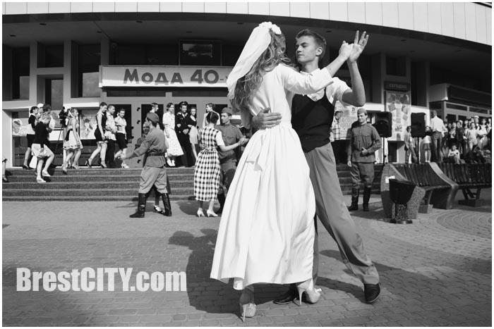21 июня на ул.Советской пройдет показ моделей одежды «Лето 41-го»