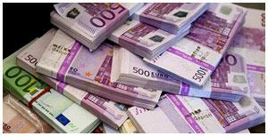 Пачка Евро. Деньги