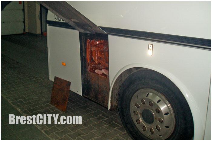 Спрятанное в автобусе мясо пытались провезти через границу