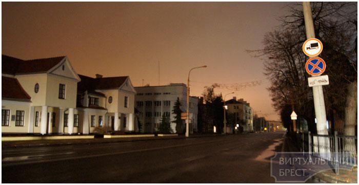 В Бресте полностью ночью отключают освещение.