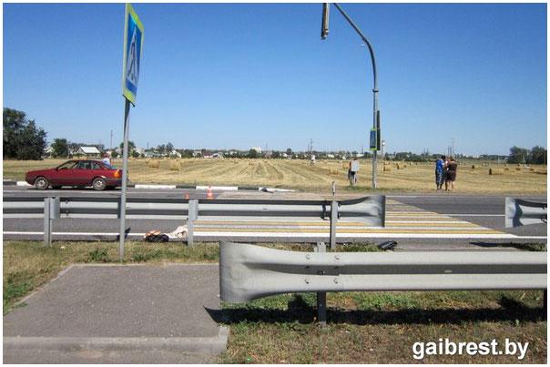 Водитель маршрутки насмерть сбил женщину на пешеходном