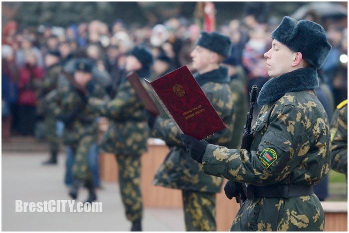 Неменее 9 тыс. призывников примут военную присягу 16декабря